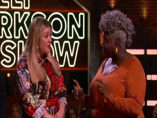 The Kelly Clarkson Show 2019 10 30 Bradley Whitford 480p x264-mSD