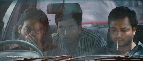 Soodhu Kavvum (2013) 720p UNCUT BluRay x264 ESubs [Dual Audio][Hindi+Tamil]-=!Dr STAR!=-