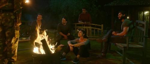 WAR (2019) 1080p HDRip x264 [Multi Audios][Hindi+Telugu+Tamil]