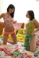 Angela & Yani - Lesbian Girls (x115)