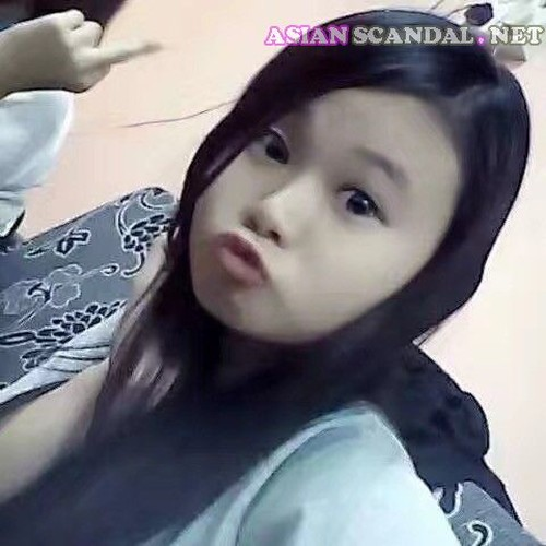 Singaporean Beautiful Girl Loli Naked & Masturbate